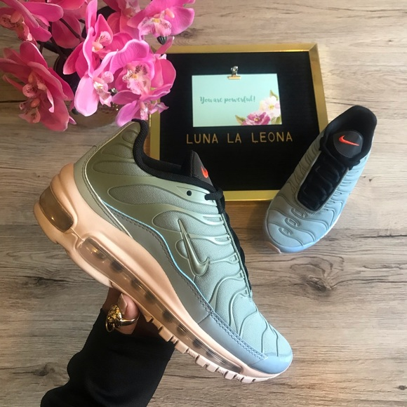 NWT Nike Air Max 97 Plus Mica Green Sneakers, 5.5